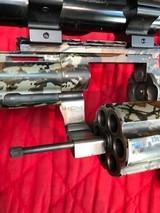 Colt Anaconda Camo with scope and original soft case - 9 of 15