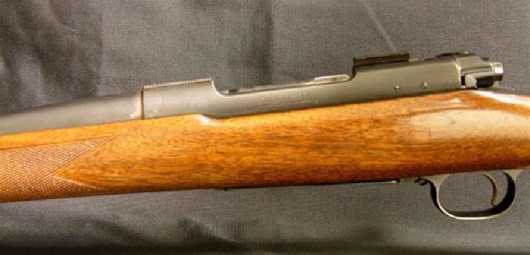 WINCHESTER – Model 70, .220 Swift - 3 of 5