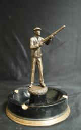1930's-Themed Hunter Trophy Ashtray - 6 of 6