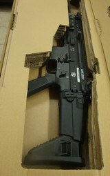 FN SCAR 16-S LE - 2 of 8