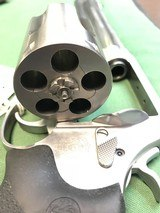 SMITH & WESSON 460XVR - 9 of 15