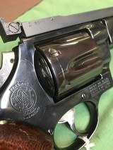 SMITH & WESSON model 27 - 4 of 15