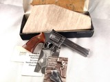 "Smith and Wesson Model 686 (No Dash) 6"" .357 Magnum with Factory Box and Papers"