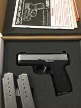 KAHR CW40 - 2 of 4