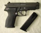 Sig Sauer 9 mm, model P226