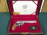 7107 Smith Wesson629-3 44 MAGNUM 7 1/2 barrel , Cherry wood presentation case,stainless steel, red ramp front site,Goncolo medalion grips,Highly Pol - 2 of 14