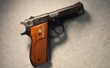 Smith & Wesson ~ Model 39-2 ~ 9mm Luger