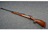 Weatherby ~ Mark V Deluxe ~ .270 Weatherby Magnum