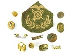 """Lot of U.S. Army Cloth and Metal Insignias (MM996)"" - 1 of 1"