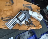 Smith and Wesson 686-1 , 2.5 Inch L-Frame .357 Mag, W/Stags - 11 of 14