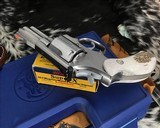 Smith and Wesson 686-1 , 2.5 Inch L-Frame .357 Mag, W/Stags - 14 of 14