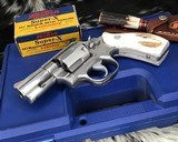 Smith and Wesson 686-1 , 2.5 Inch L-Frame .357 Mag, W/Stags - 5 of 14