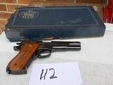 Smith and Wesson Model 52-2. 38SPL. Cal. Semi-Auto.It has the the Box
