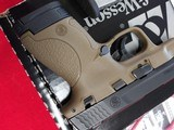 Smith & Wesson M&P 40 10180 - 2 of 10