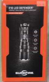 SureFire E1D LED Defender Dual-Output 300 Lumen Flashlight NEW - 1 of 2
